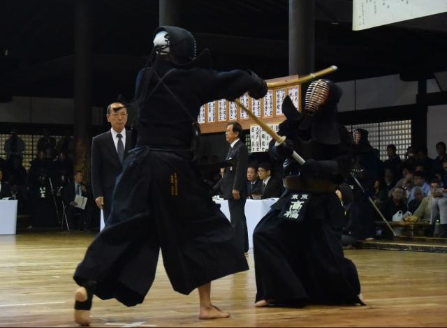 ロベルト・キシカワ(香港)×髙橋海有(東京)